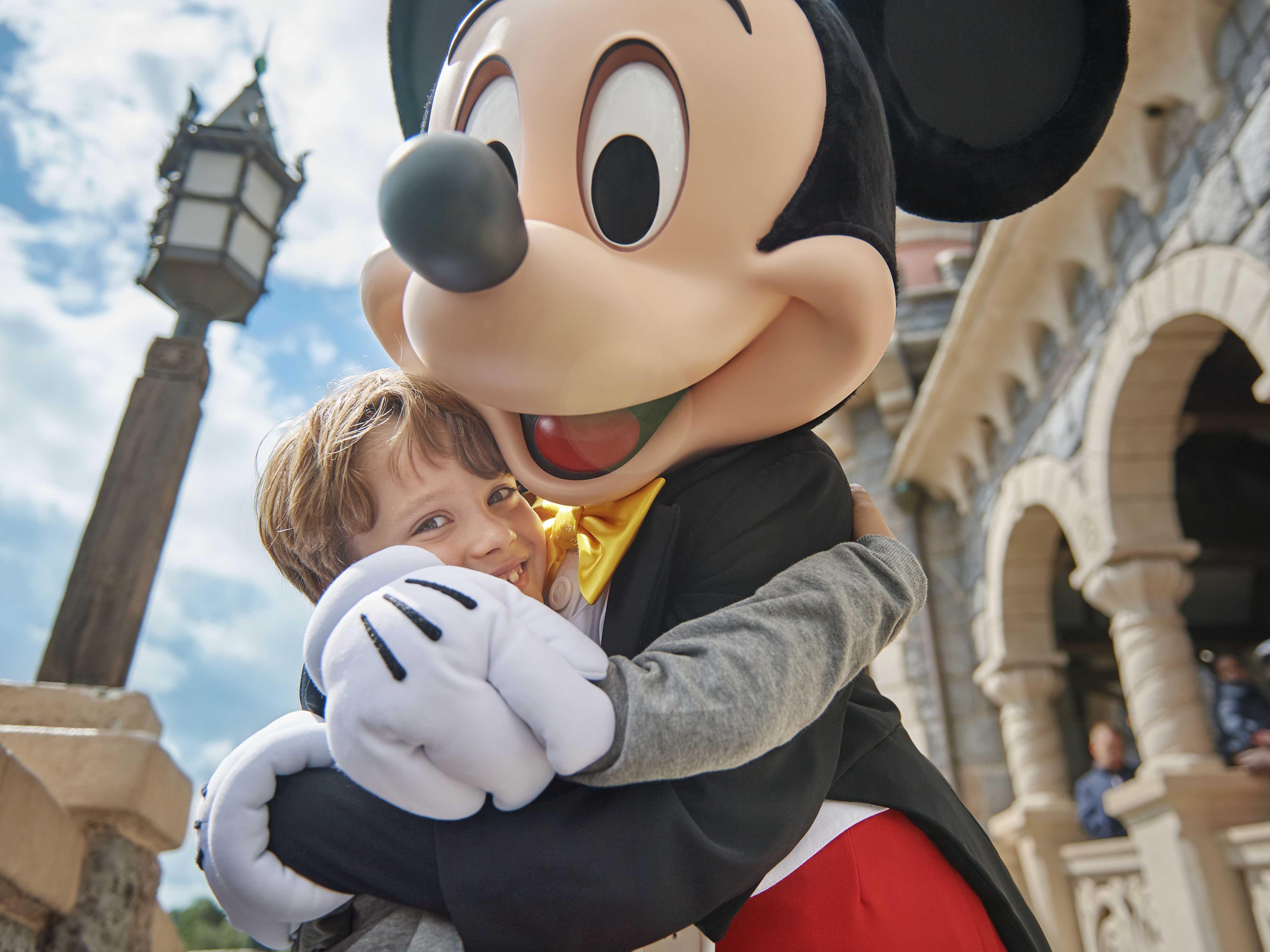 Disneyland Paris Tickets | Euro Disney Tickets, Deals and Offers
