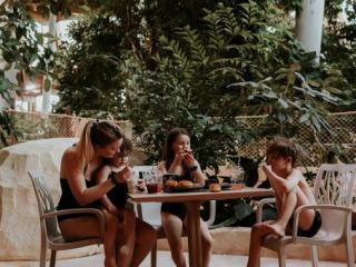 Aqualagon Café