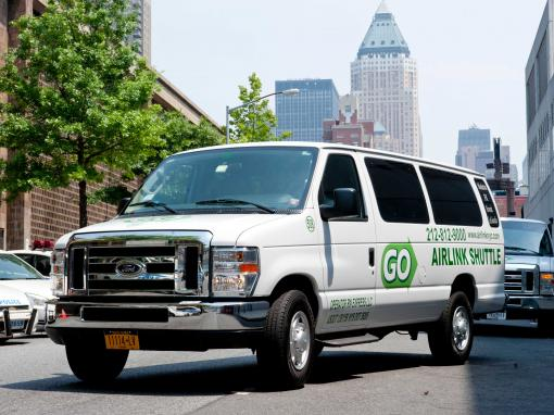 Manhattan Hotels to La Guardia Airport Shared Van Departure Transfer
