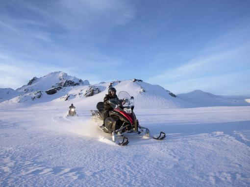 Golden Circle & Glacier Snowmobiling