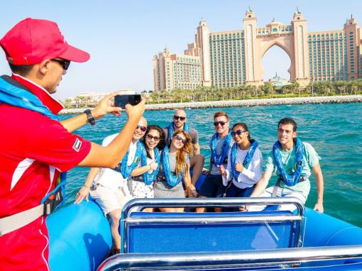 90-Minute Dubai Palm Sightseeing Cruise by Speedboat
